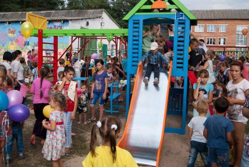 У мікрорайоні Косецькому з'явилася «Весела поляна»