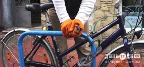 Юнака, що вкрав велосипед, замучила совість