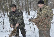 Шепетівські лісівники прийшли на допомогу диким тваринам