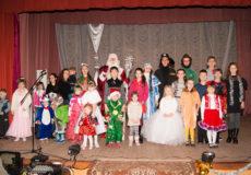 Новорічна вистава «Колобок» радувала діток