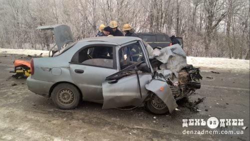 ДТП: водія легковика звільнили з салону бензорізом