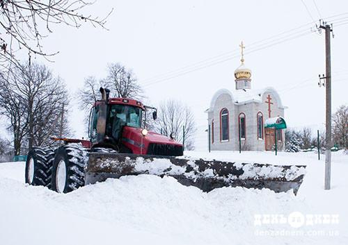 Ліквідація снігових заметів: Сварог – у дії