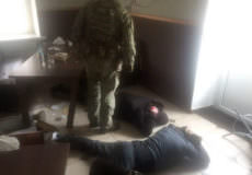 У Славуті СБУ затримала банду рекетирів