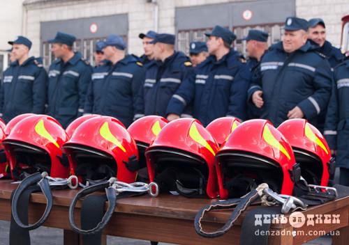 Вогнеборці Шепетівщини отримали нові каски