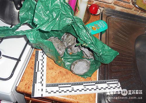 Під Шепетівкою підробляли горілку в літній кухні