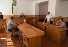 Шепетівський суд заарештував фуру зі львівським сміттям