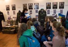 На книгу спогадів про шепетівського героя зібрали кошти айдарівці