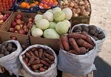 У Нетішині в суботу продаватимуть лише продовольчі товари