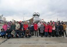 Школярі завітали у гості до авіаторів