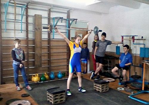 У Шепетівці змагалися 60 юних важкоатлетів
