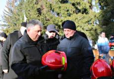 Арсен Аваков нагородив шепетівського рятувальника відзнакою МВС