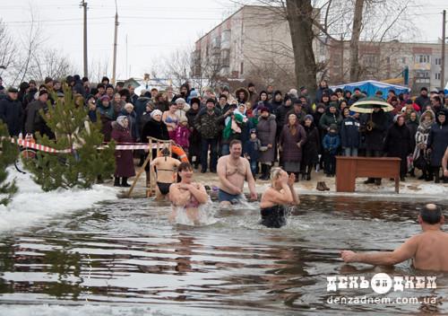Славутчани омилися цілющою водою