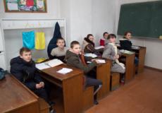У Корчицькій школі на Шепетівщині діти навчаються у верхньому одязі