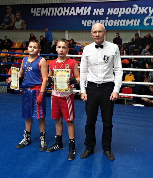 Двоє шепетівчан увійшли до складу збірної команди Хмельницької області з боксу