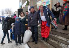 У Городищі на Масницю у лотерею розіграли мішок пшениці та всяку всячину