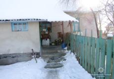 Нічні злодії у Славутському районі прихопили з будинку пенсіонера електрочайник