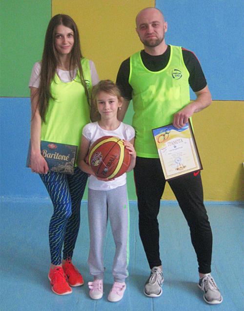 В сімейних стартах «Тато, мама, я— спортивна сім'я» визначили переможця