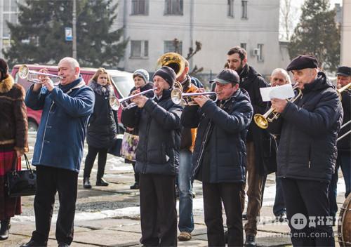 У Шепетівці увіковічнили Шевченка в назві вулиці та двох погруддях