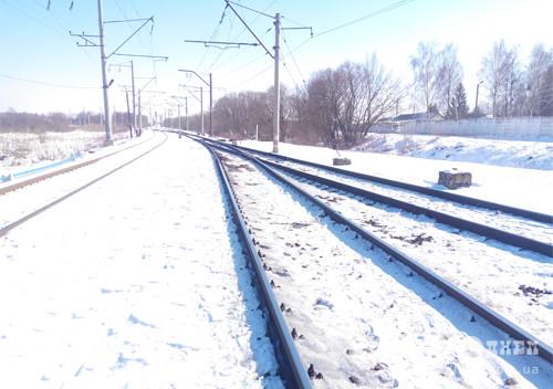 У Шепетівському районі невідомі розбирають залізничні колії
