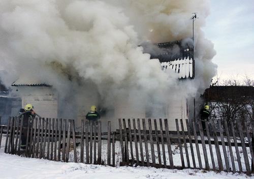 В Ізяславському районі у пожежі загинула жінка