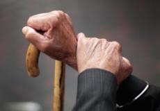 Шепетівчанин під виглядом лікаря та соцпрацівника виманював гроші в літніх людей: його викрив 81-річний дідусь