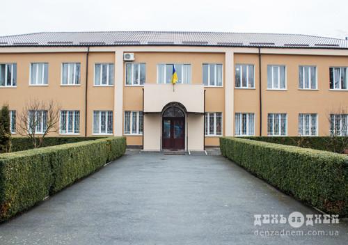За побиття селянина на Шепетівщині, житель столиці відпрацює 200 годин громадських робіт