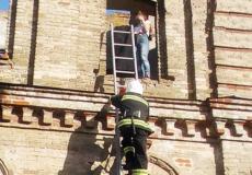 Рятувальники зняли підлітків з млина