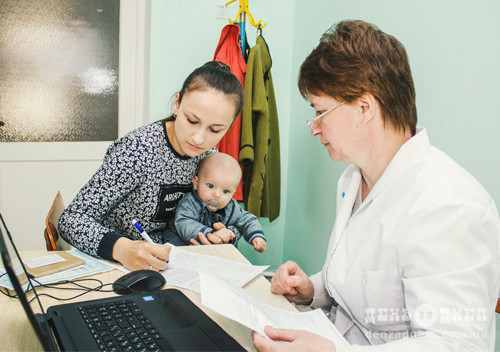 У Шепетівці декларацію з лікарем можна підписати за 15 хвилин