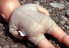 У Шепетівському районі затримали 19-річну породіллю, яка викинула немовля у стічну канаву