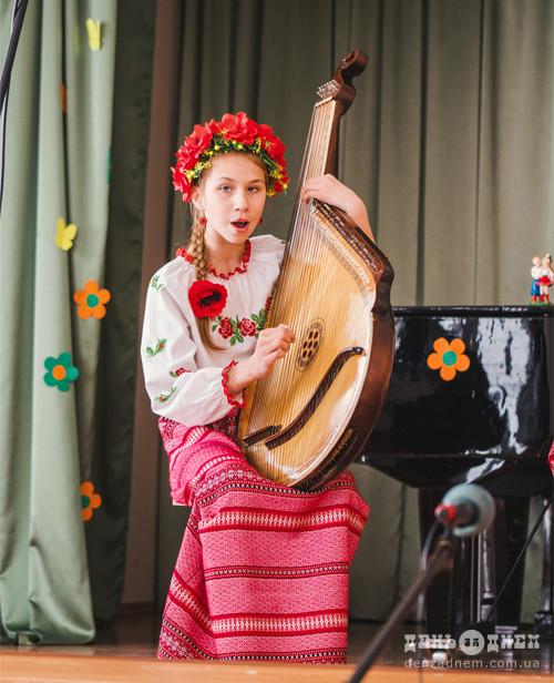 Юні шепетівські бандуристи виступали сольно, в дуетах й ансамблі