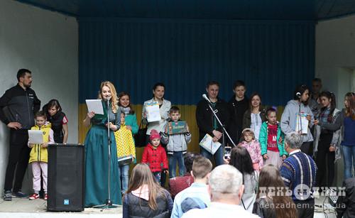 День матері в Шепетівці відзначили сімейним квестом та концертом