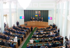 Новопризначеному губернатору Хмельниччини Петро Порошенко побажав бути ближчим до людей