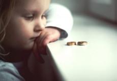 Юристи Хмельниччини розповіли, як збільшити розмір аліментів на дитину