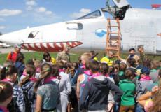 У старокостянтинівських авіаторів літні канікули проходять весело