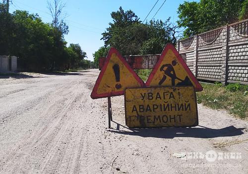 Дорожники Хмельниччини взялися за ямковий ремонт доріг