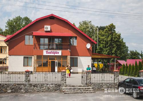Тільки на Ізяславщині — «Баварія» через дорогу від «Диканьки»