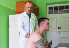 Капітан СтепанВеселовський мріяв літати, а став військовим лікарем