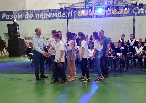 Шепетівським призерам «Спартакіади Поділля» презентували поїздку в Карпати