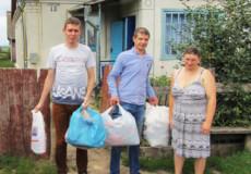 Шепетівські посадовці допомогли не лише консультаціями, але одягом
