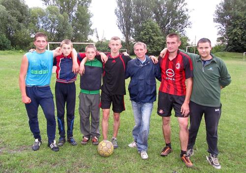 Шепетівські посадовці спілкувалися зі школярами про безпечні канікули та футбол