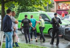 У Шепетівці 40-річний чоловік побив поліцейського