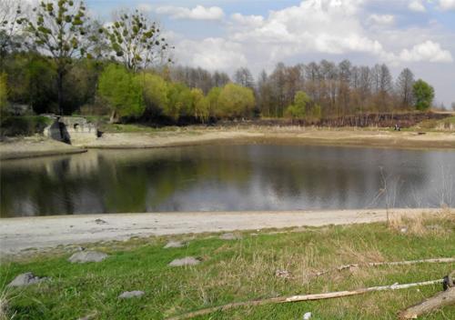 У Шепетівці на четвертих ставках відучора шукають чоловіка, який зник під час плавання (Оновлено)