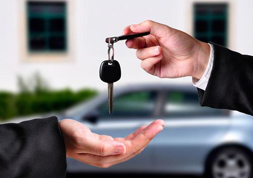 Придбану нову автівку можна буде зареєструвати прямо в салоні