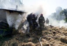 У Шепетівському районі за одну добу двічі горіли господарчі будівлі
