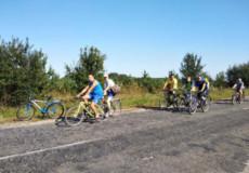 Шепетівські рятувальники на велосипедах завітали до славутських й ізяславських колег