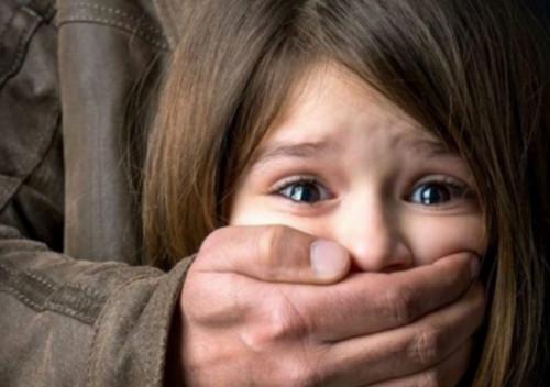 Шепетівська поліція зареєструвала звернення про спробу викрадення дитини