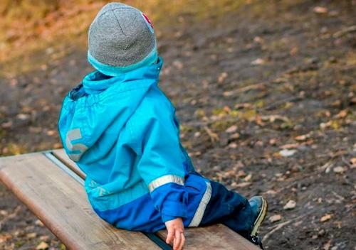Дитину, яку незаконно утримував у себе батько, суд зобов'язав передати матері