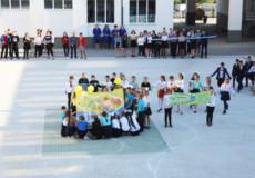 Учні в Шепетівському районі підтримують мир в усьому світі
