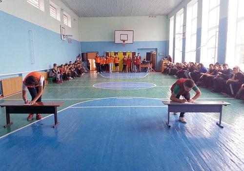 У Шепетівці учні зіграли «проти» вчителів