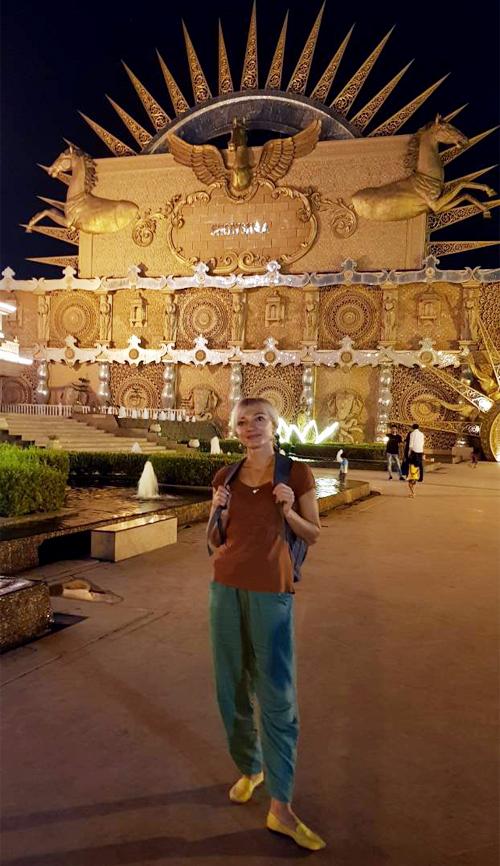 Шепетівчанка Наталія Гороть подорожує по країнах Азії та Європи